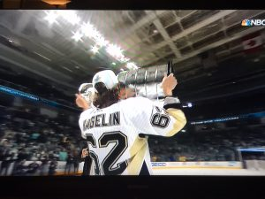 hagelin_kiss-the-cup