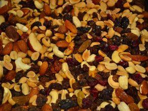 trail mix_nuts, raisins